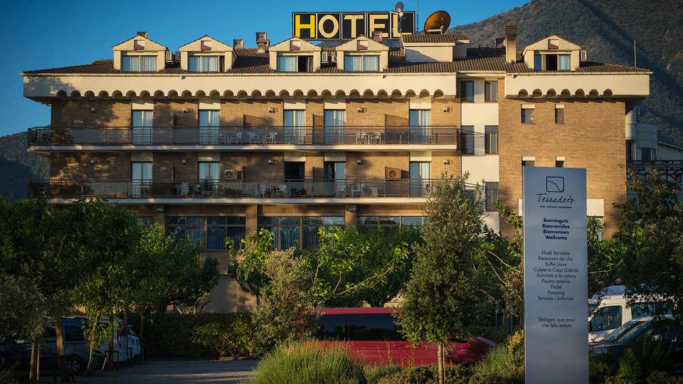 Hotel Terradets - EDIT_front.jpg