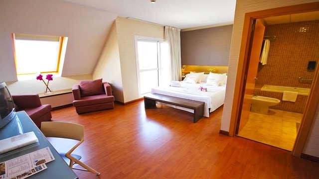 Escapada junior suite familiar en Sevilla con zona relax