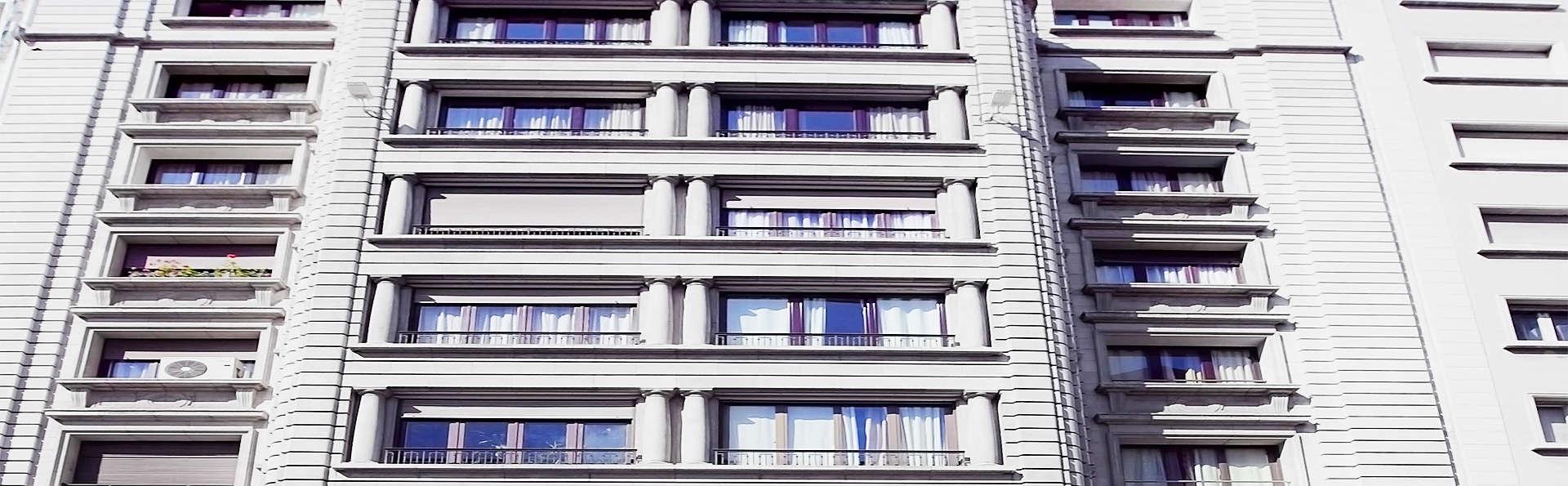Hotel Vía Augusta - EDIT_0_fachadat.jpg