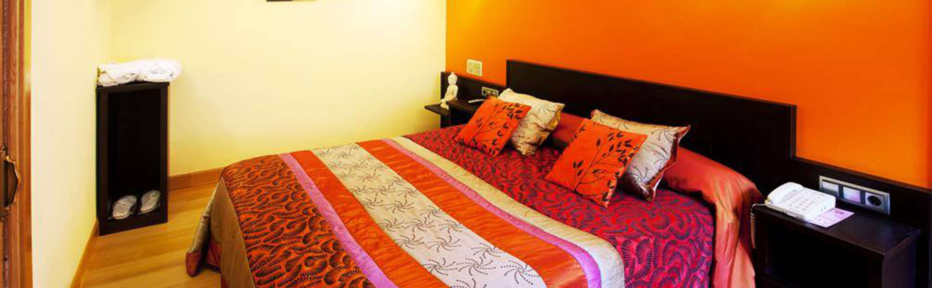 Hotel Venta de Etxalar - EDIT_room4.jpg