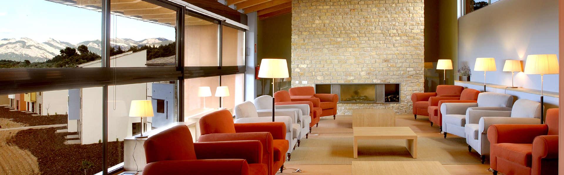 Hotel Vilar Rural de Arnes - Edit_Lounge.jpg
