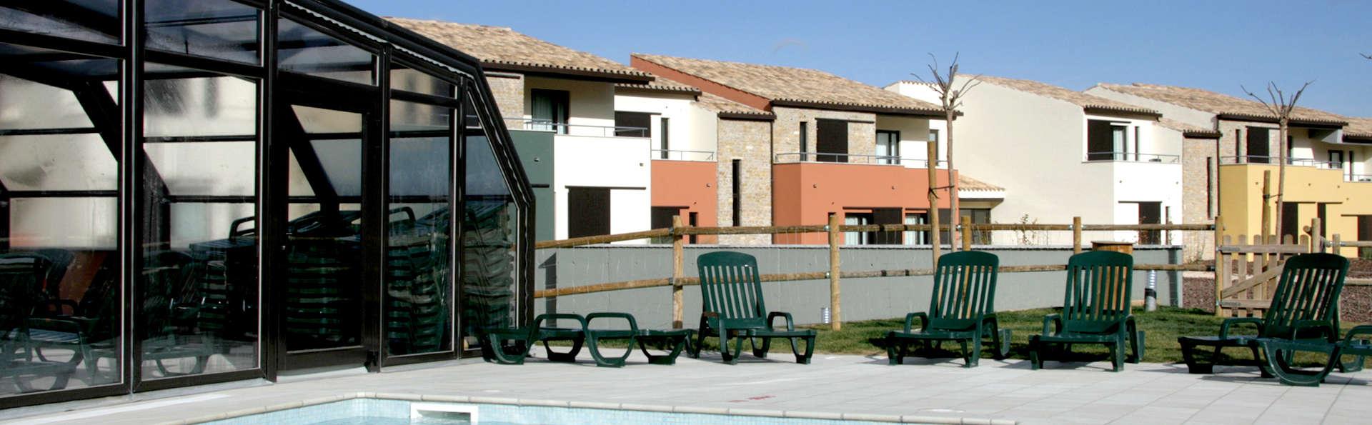 Hotel Vilar Rural de Arnes - Edit_Pool2.jpg