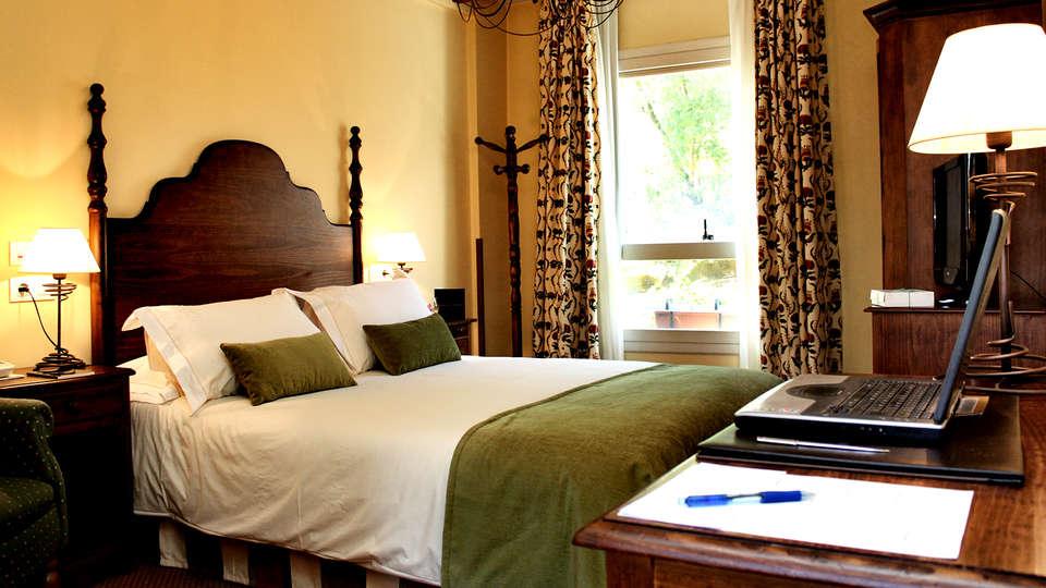 Hotel Virxe da Cerca - Edit_Room3.jpg