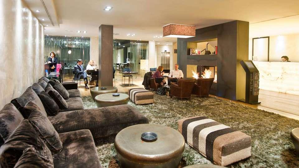 Hotel Zenit Abeba - Edit_Lounge4.jpg