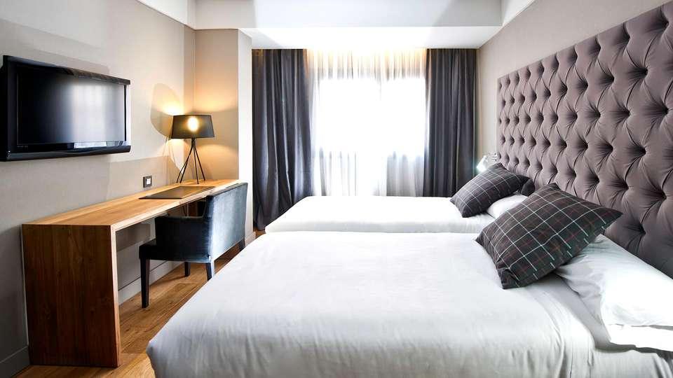 Hotel Zenit Abeba - Edit_Room5.jpg