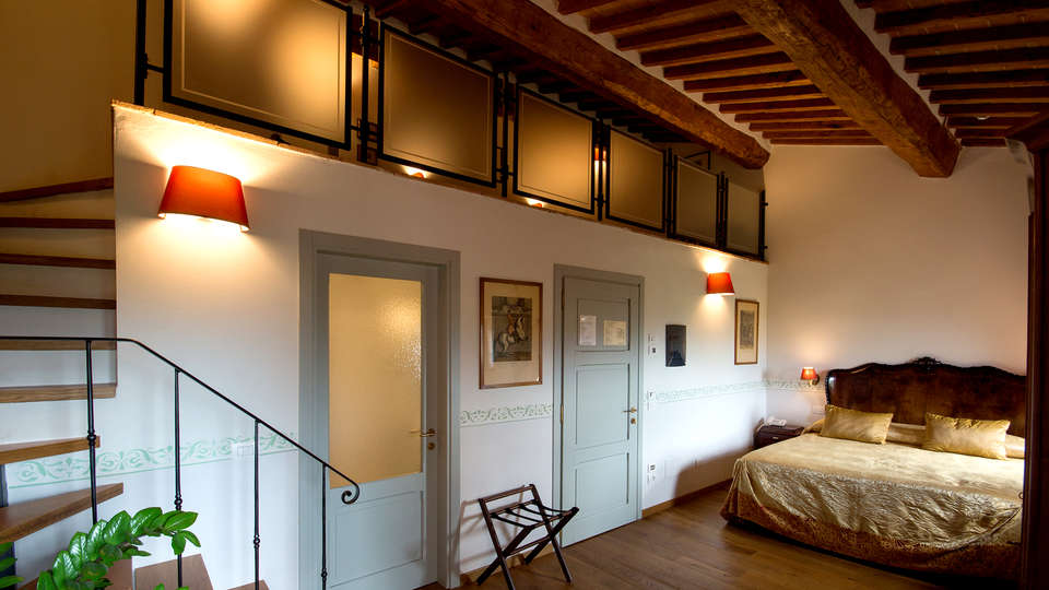 Palazzo Pacini - Edit_Room21.jpg