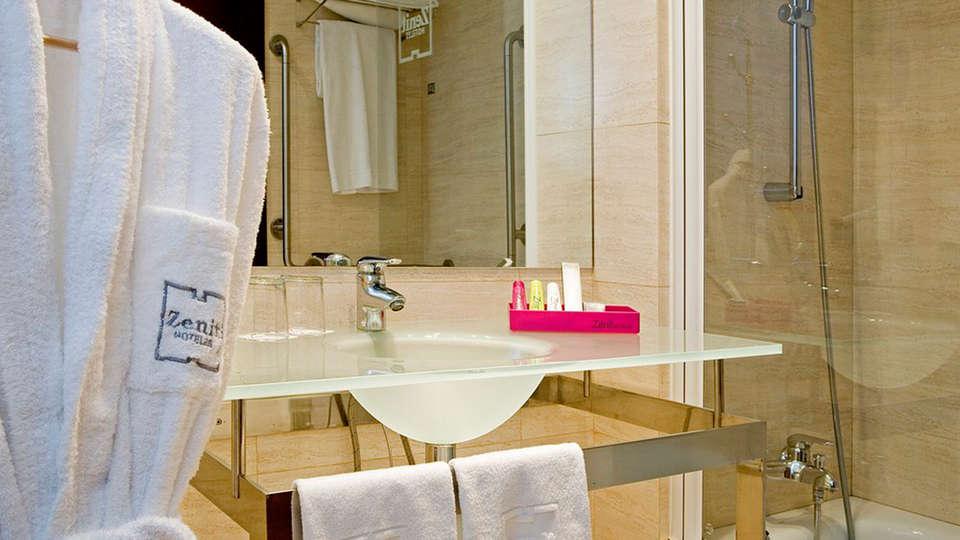 Hotel Zenit Bilbao - EDIT_bath1.jpg