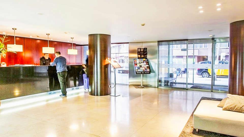 Hotel Zenit Borrell - EDIT_2_recepcion.jpg