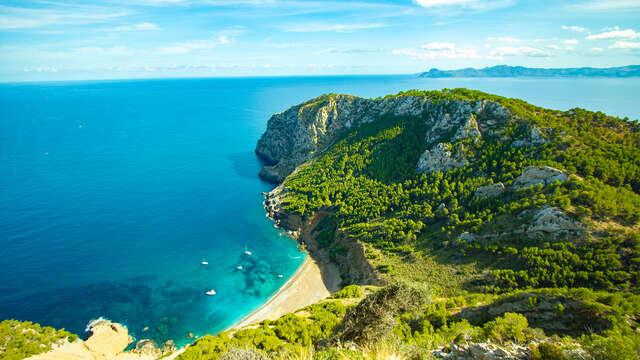 Escapada con desayuno en la popular bahía de Alcudia del norte de Mallorca