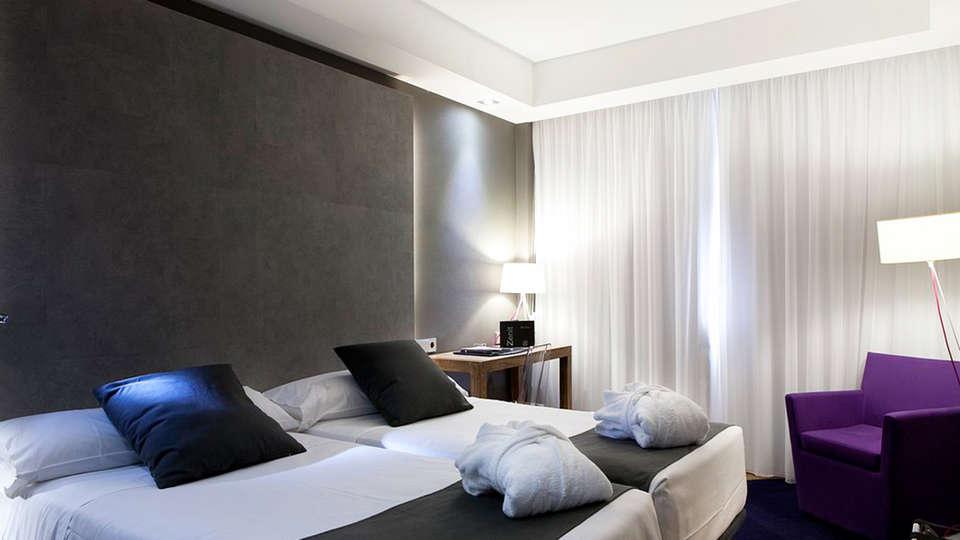 Hotel Zenit Conde de Orgaz - EDIT_room4.jpg