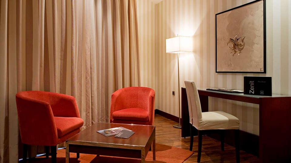 Hotel Zenit Lleida - EDIT_room6.jpg