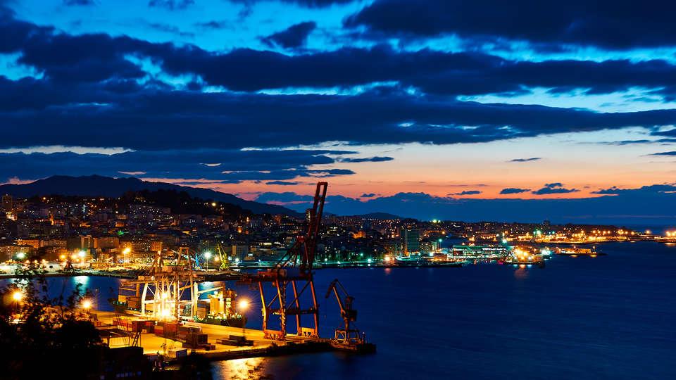Hotel Zenit Vigo - EDIT_destination1.jpg