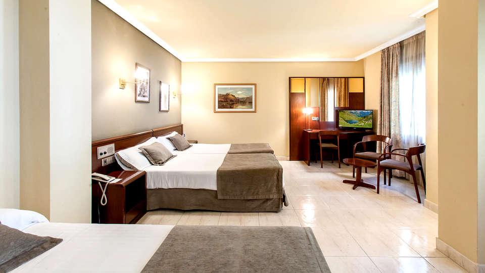 Imperial Atiram Hotel - Edit_Room3.jpg