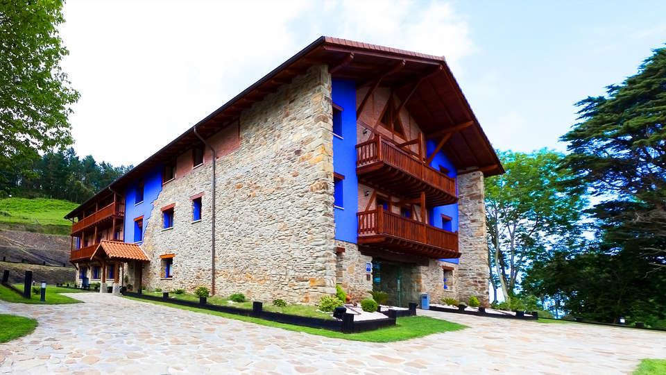 Hotel-Apartamento Rural Atxurra - EDIT_2_fachada.jpg