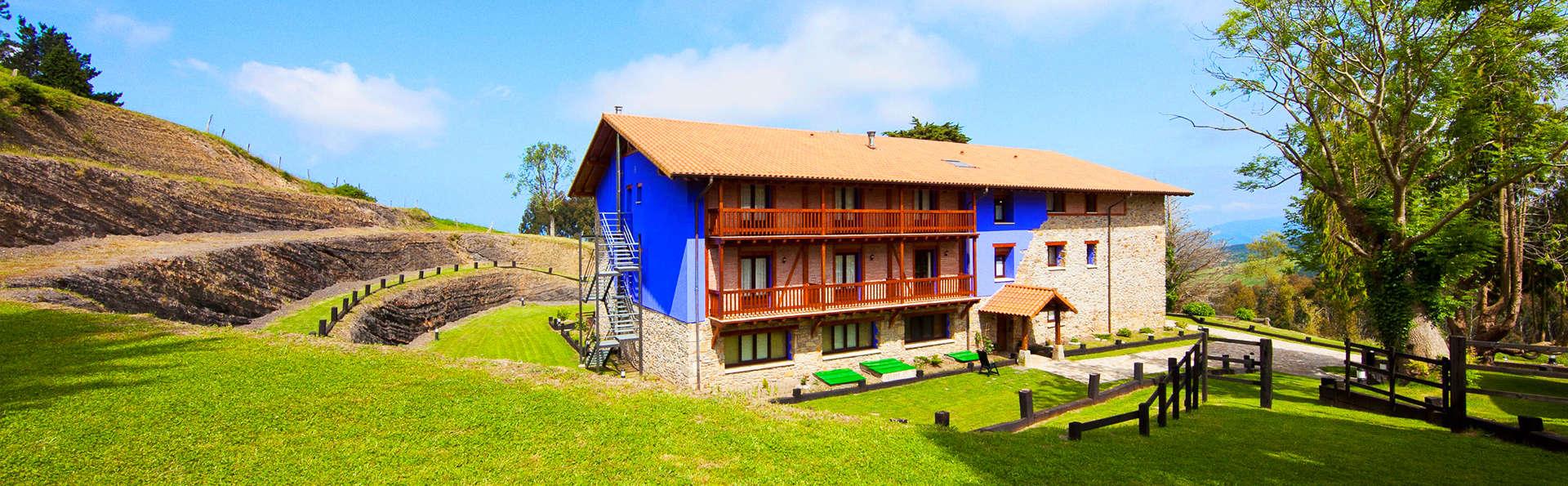 Hotel-Apartamento Rural Atxurra - EDIT_1_fachada.jpg
