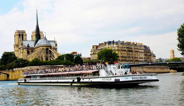 Descubre París desde el Sena con un paseo en Bateaux Mouches