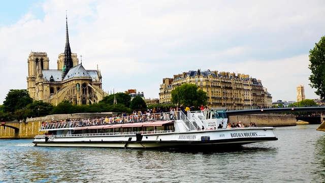 Découvrez Paris depuis la Seine lors d'un week-end avec croisière en Bateaux Mouches