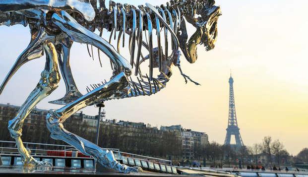 ¡Visita París siguiendo el curso del Sena y descubre el célebre museo Grévin! (desde 2 noches)