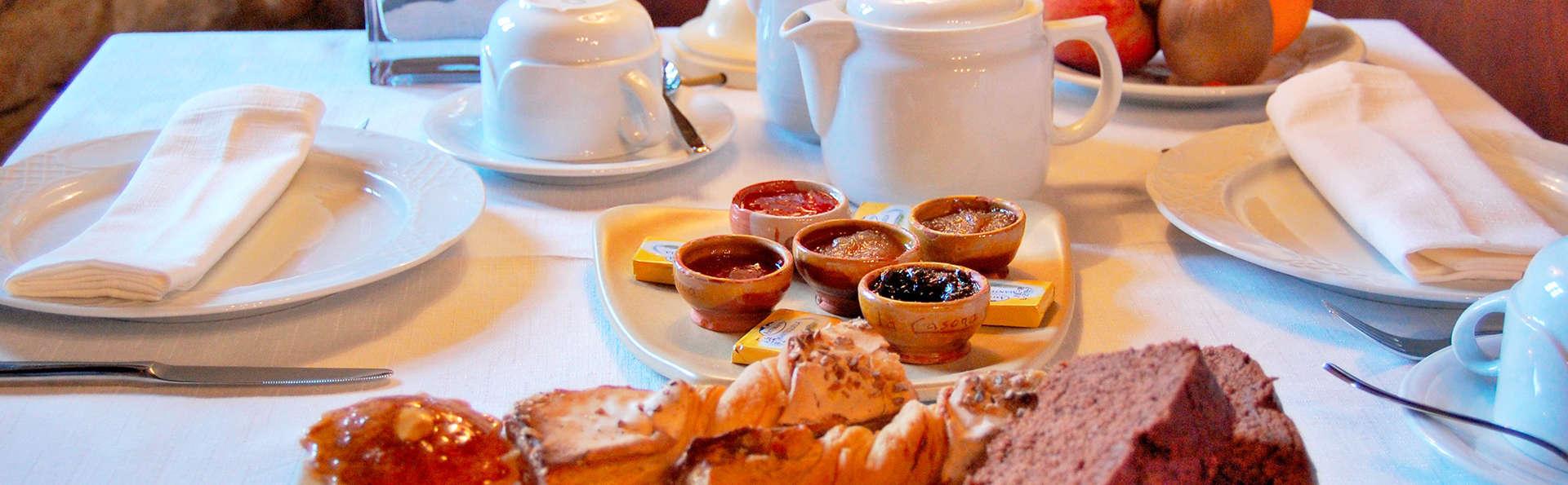 La Casona de Tresgrandas - EDIT_breakfast.jpg
