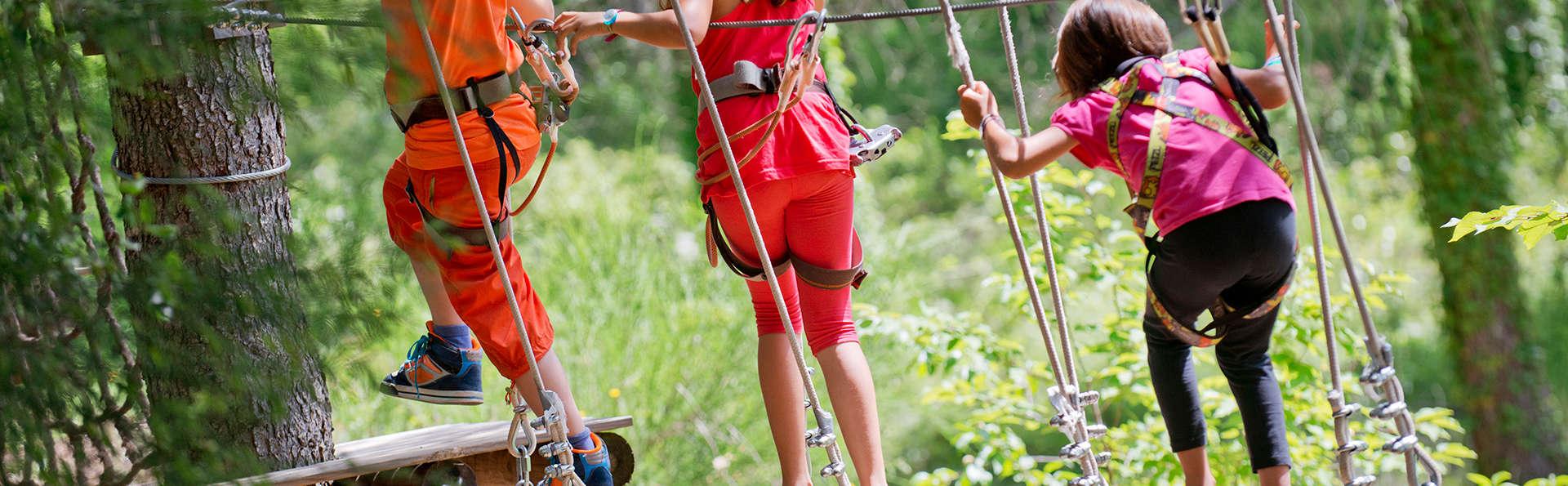 Aventure en famille avec demi-pension, parc d'aventure et spa à Sant Hilari Sacalm