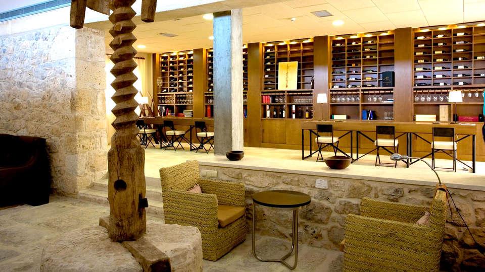 Lavida Vino-Spa Hotel - Edit_Lounge.jpg