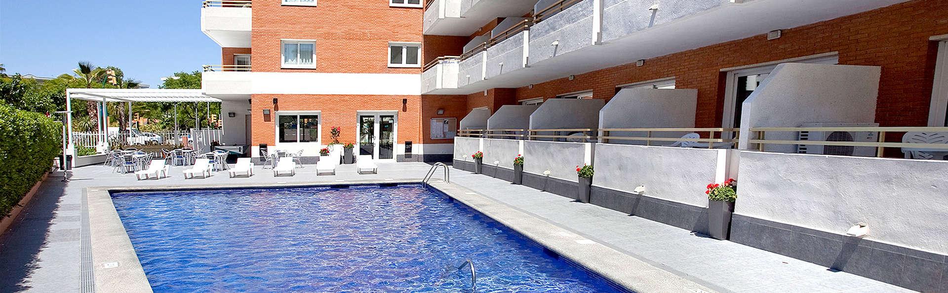 Les Dàlies - Blaumar Apartaments - Edit_Pool2.jpg
