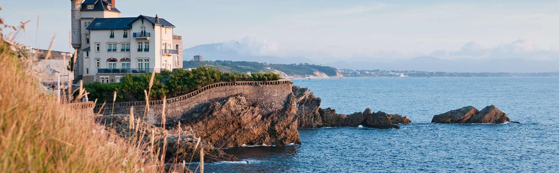 Les pieds dans l'eau au cœur de Biarritz