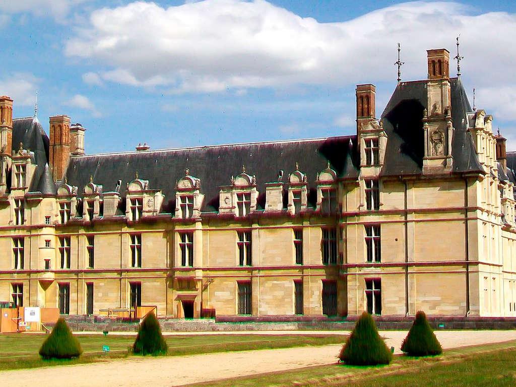 Séjour près de Paris et découverte du Château d'Ecouen 4* - 1