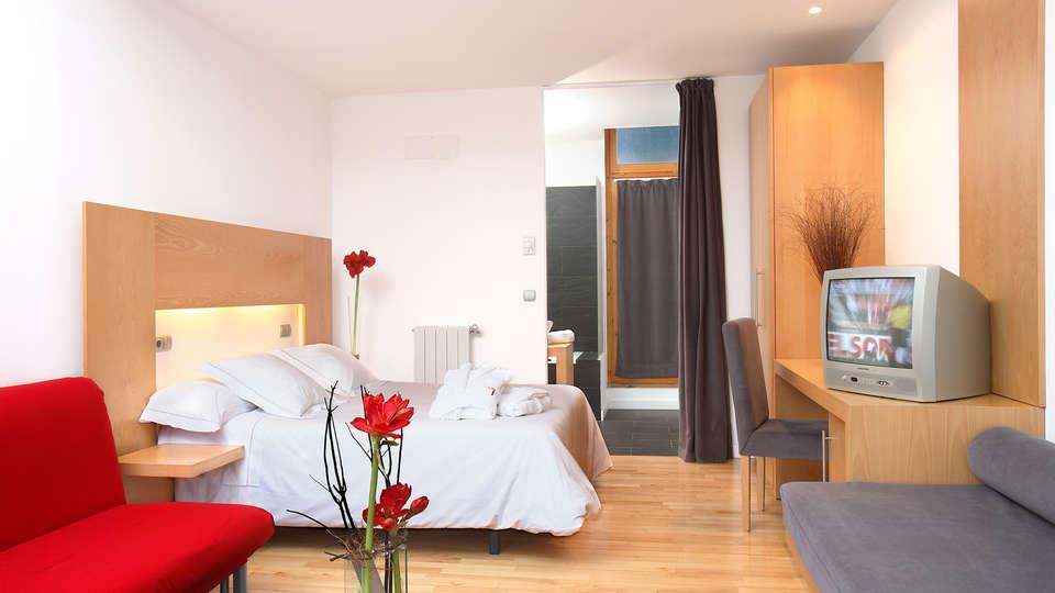 Hotel Tierra de Biescas - EDIT_NEW_familyroom1.jpg