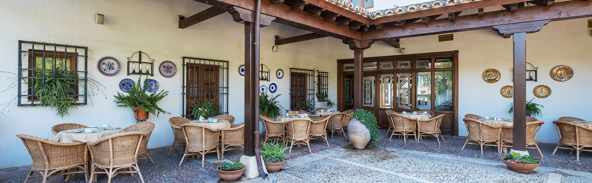 Hotel Condesa de Chinchón - EDIT_terrace.jpg