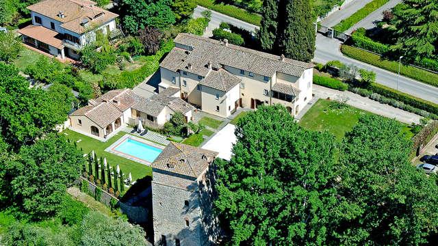 Invito a rilassarsi tra il verde della Toscana in un bellissimo relais