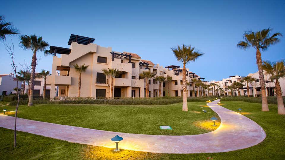 Apartamentos Turísticos Roda Golf & Beach Resort - edit_Path_Curved_Sunset.jpg