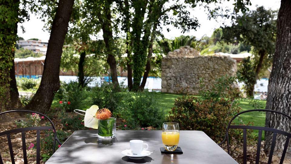 Beachcomber French Riviera - EDIT_breakfasterrace.jpg