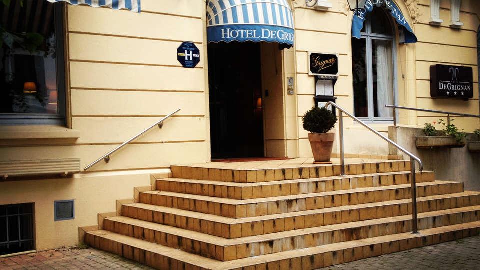 Hotel de Grignan - EDIT_front.jpg