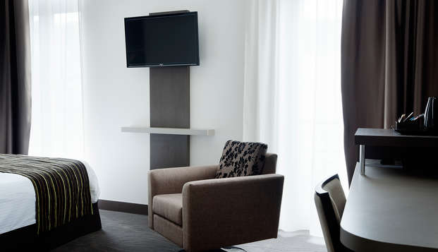 Hotel de Grignan - room