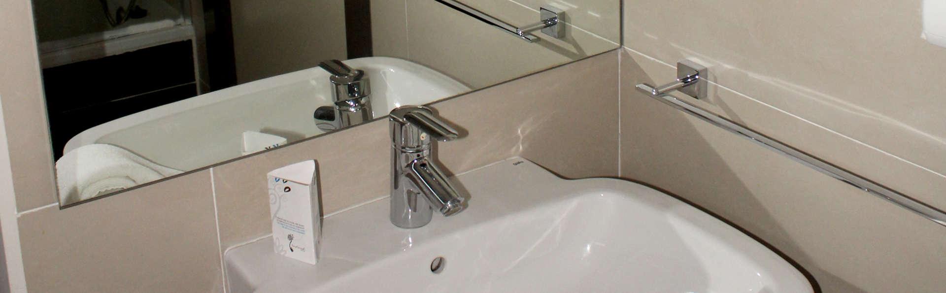 Hotel Teratermal Spa - Edit_Bathroom.jpg