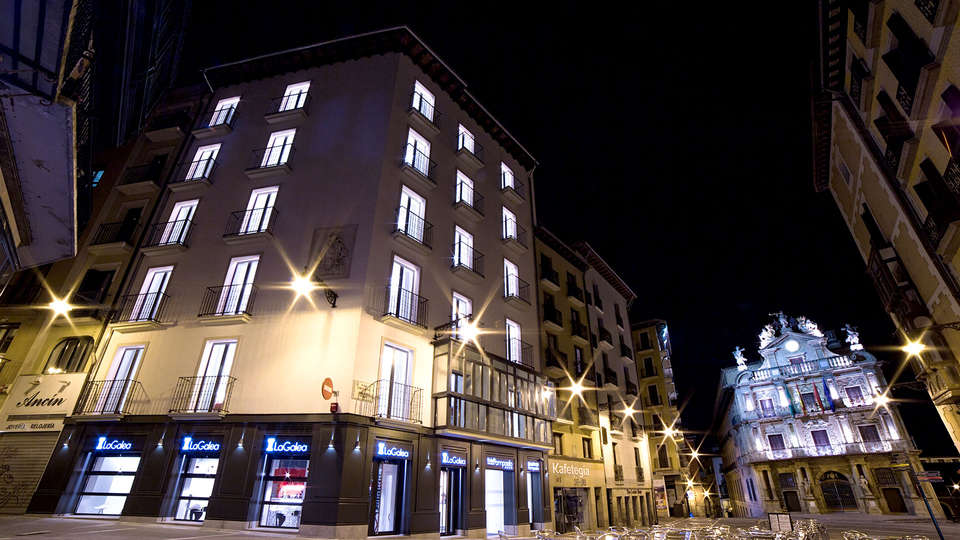Hotel Pompaelo Urban Spa - Edit_Front2.jpg