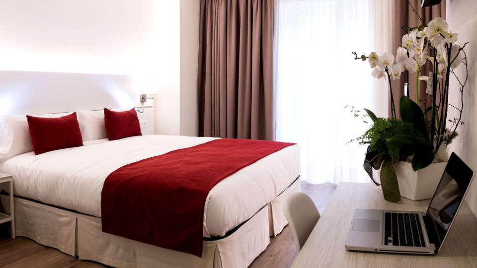 Hotel Pompaelo Urban Spa - Edit_Room5.jpg