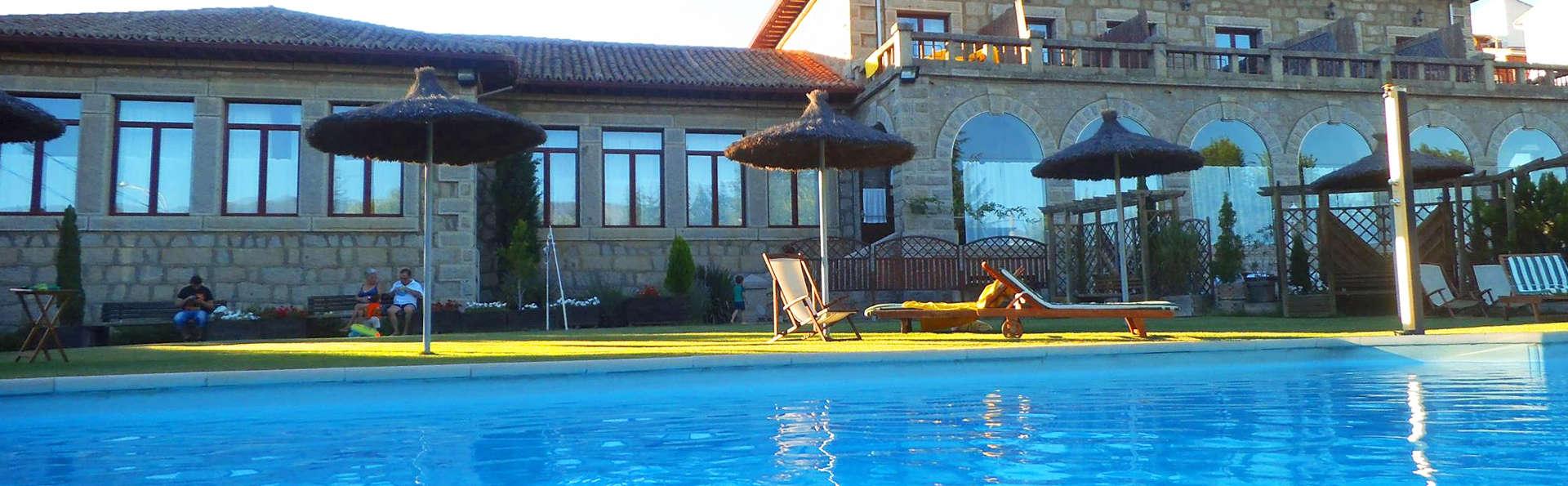 Posada Real Restaurante El Linar del Zaire - EDIT_pool.jpg