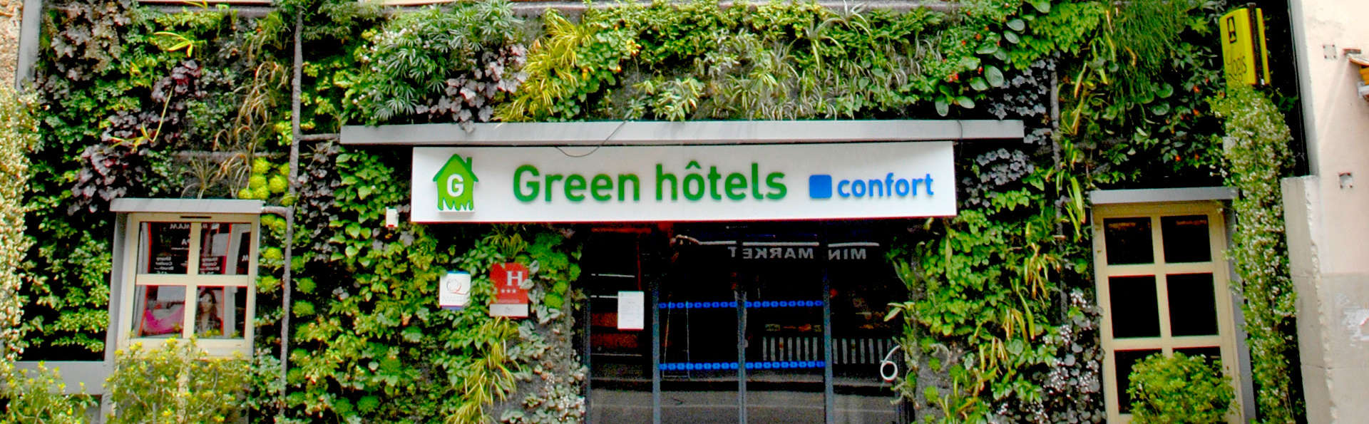 Green Hotel Confort Paris 13 - Edit_Front.jpg