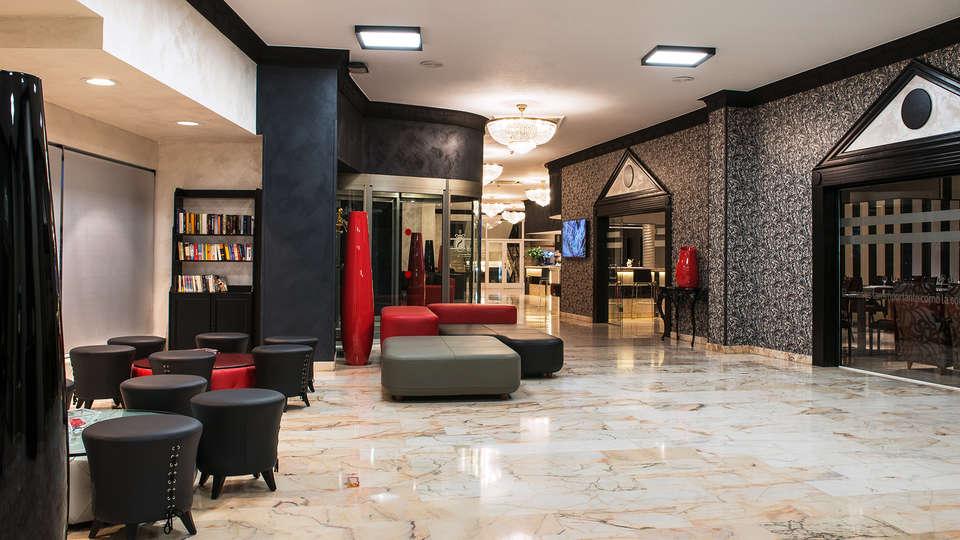 Sallés Hotel Málaga Centro - EDIT_lobby1.jpg