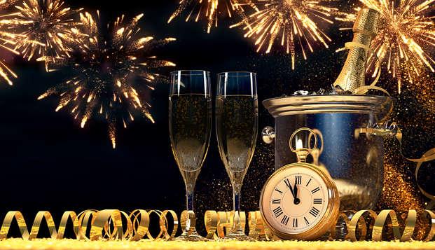 ¡Recibe el 2020 por todo lo alto: Alójate en pensión completa con cena de gala, DJ y barra libre!