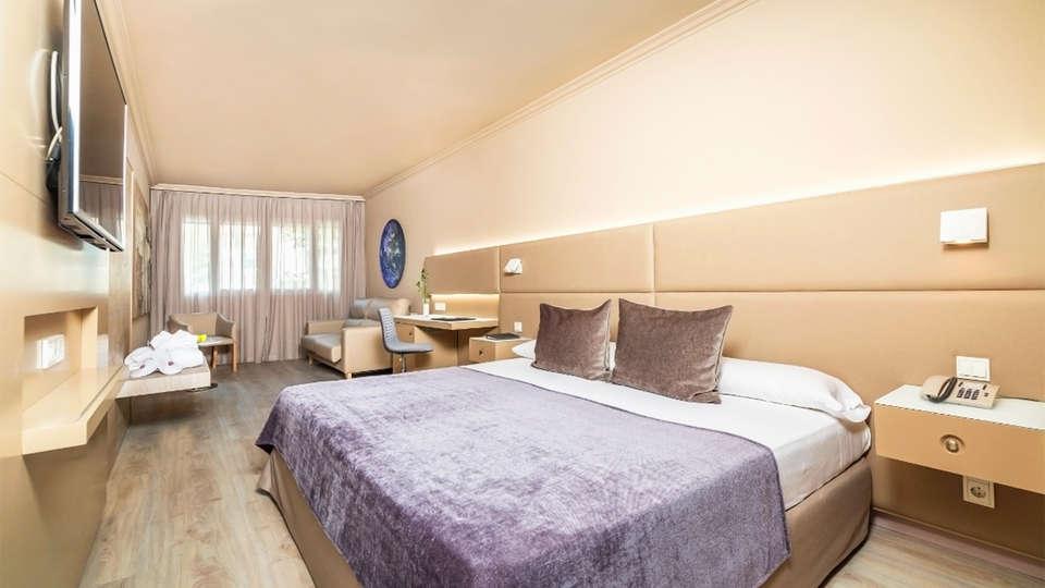 Sallés Hotel Pere IV - EDIT_11_ROOM.jpg