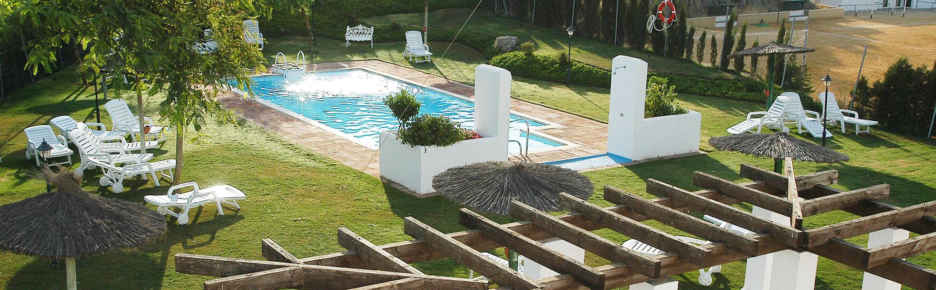 Hotel Villa de Algar - EDIT_pool.jpg