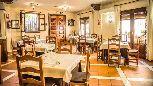 Sumérgete en el mundo rural en Granada con Cena