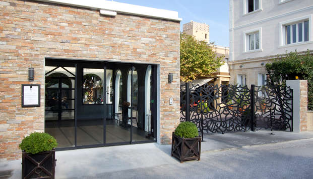 Newhotel Bompard La Corniche - entry