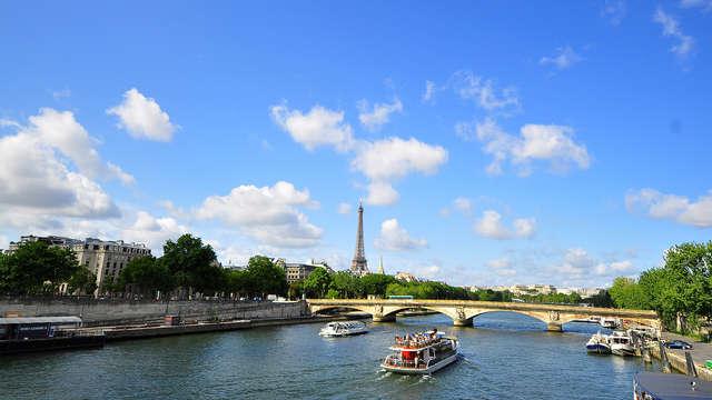 Paris comme un spectacle : balade en bateau et moment relax dans la Ville Lumière