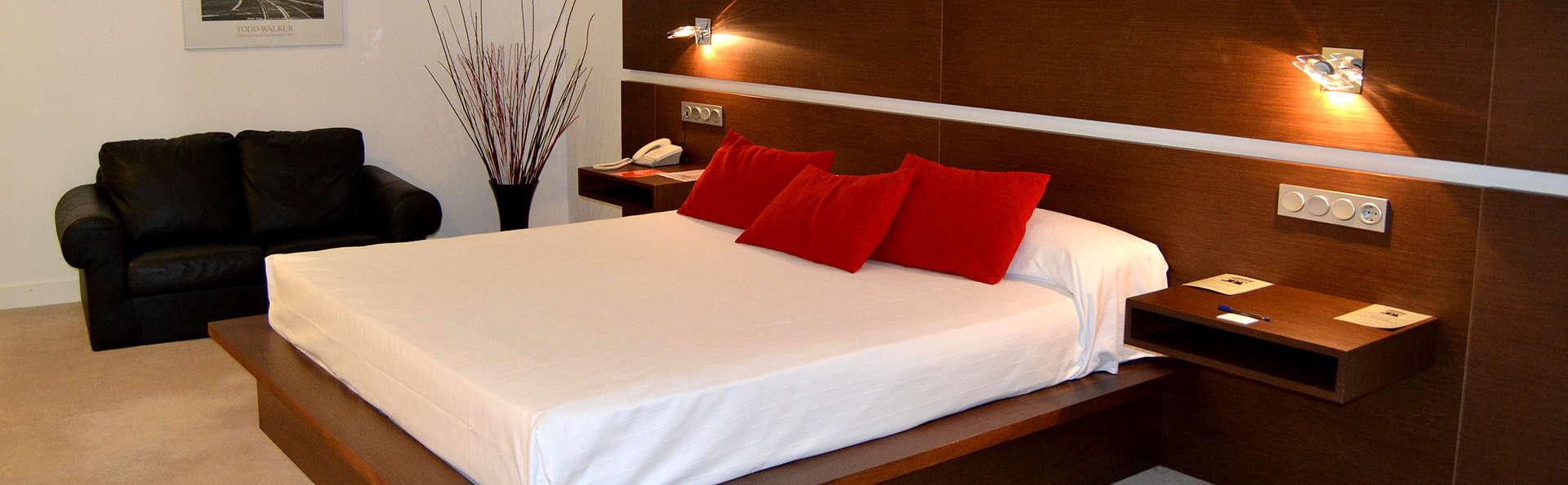 Spa Sercotel Hotel Odeón - Edit_Room.jpg