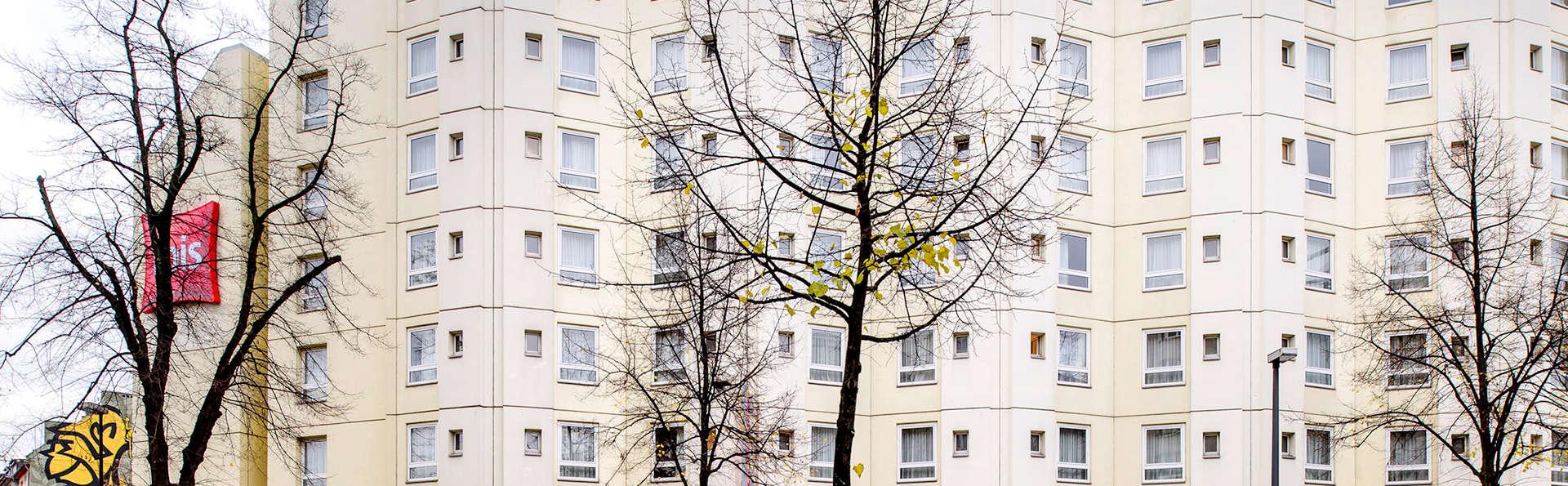 Ibis Hotel Düsseldorf City - Edit_front.jpg