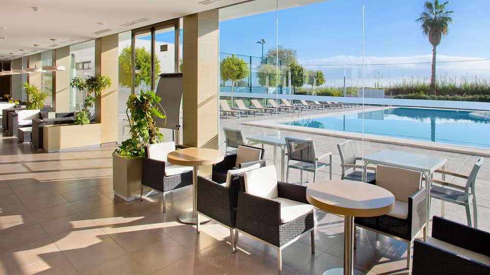 Hotel Els Arenals - EDIT_lobby.jpg